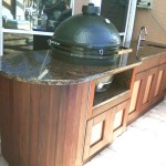 Green Egg Installed in Outdoor Kitchen